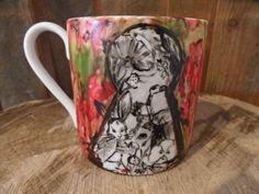 KUBEK Z DZIURKĄ OD KLUCZA - ALICJA W KRAINIE CZARÓW Mugs, Tableware, Art, Art Background, Dinnerware, Tumblers, Tablewares, Kunst, Mug
