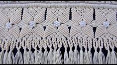 Video aula 10 com Lúcia Benites - Macramê Macrame Toran, Macrame Art, Macrame Design, Macrame Knots, Macrame Bracelets, Rope Crafts, Diy Arts And Crafts, Passementerie, Macrame Tutorial