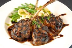 Delicious garlic and lemon lamb chops. Prepared either in the oven or on the braai for that authentic smokey taste. Come to Martin's Vleismark for our top quality lamb chops that won't disappoint you. Lamb Chop Recipes, Meat Recipes, Dinner Recipes, Cooking Recipes, Fodmap Recipes, Kitchen Recipes, Cooking Ideas, Grilled Lamb Chops, Marinated Lamb