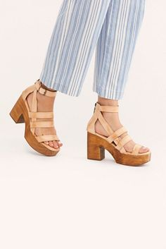 Women Shoes For School Cute Womens Shoes, Womens Shoes Wedges, New Balance, Shoes For School, Shoes 2018, Lady, Clogs Shoes, Shoes Sneakers, Oxfords