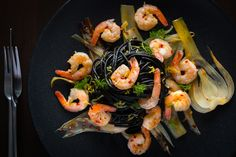 Spaghetti with Shrimp is a pretty classic combination and to be honest I have not strayed to far from the pretty traditional protocols of a dish that is already a real winner, but lets face it. I like to tinker and add my own slant to dishes Squid Ink Spaghetti, Squid Ink Pasta, Prawn Pasta, Longest Recipe, Potato Rice, Black Food, Rice Dishes, Shrimp Recipes, Fennel