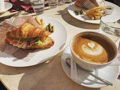 アニヴェルセルカフェ表参道 公式さん(@anniversaire_cafe) • Instagram写真と動画 Latte, Drinks, Instagram, Food, Drinking, Beverages, Essen, Drink, Meals