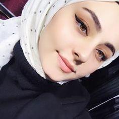 Image may contain: 1 person, selfie and closeup Image may contain: 1 person, selfie and closeup Arab Girls Hijab, Muslim Girls, Hijab Fashion Summer, Muslim Fashion, Hijabi Girl, Girl Hijab, Beautiful Muslim Women, Beautiful Hijab, Selfie