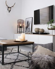 Front room - Try Jeannettevanluyck .- Front room – have a look at Jeannettevanluyck - Tiny Living Rooms, Home Living Room, Interior Design Living Room, Living Room Decor, Interior Decorating, Decorating Ideas, Living Room Inspiration, Interior Inspiration, Design Inspiration