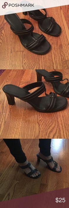 Ann Taylor heels Ann Taylor Heels, size 6 Ann Taylor Shoes