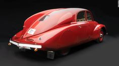 Several cars from the Art Deco era adopted a 'teardrop' form: a streamlined aesthetic that aids in aerodynamics.