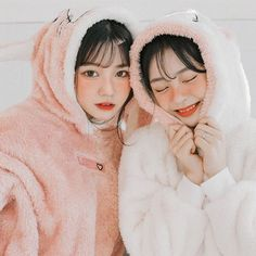 Pin de yunaizawa em ulzzang - asian girl em 2019 подруги, кореянка e фанатк Fake Girls, I Love Girls, Korean Aesthetic, Aesthetic Girl, Best Friend Couples, Girl Friendship, Western Girl, Korean Ulzzang, Uzzlang Girl
