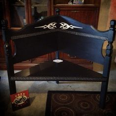 Check out our repurposed headboard selection for the very best in unique or custom, handmade pieces from our beds & headboards shops. Real Wood Furniture, Furniture Fix, Furniture Showroom, Recycled Furniture, Street Furniture, Office Furniture, Headboard Benches, Bookcase Headboard, Headboard And Footboard