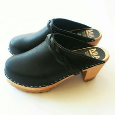 30dcea8962e NIB MIA authentic Swedish clogs Leather upper. Wood footbed and 3