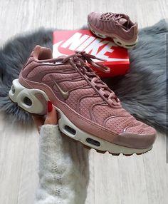 Nike AIR MAX JEWELL Schnürschuhe grün hell Damen : Schuhe