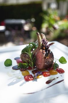 Lamb rack on a tomato mosaic - plating ideas Lamb Recipes, Gourmet Recipes, Cooking Recipes, Lamb Dishes, Food Plating, Plating Ideas, Food Design, Art Design, Creative Food