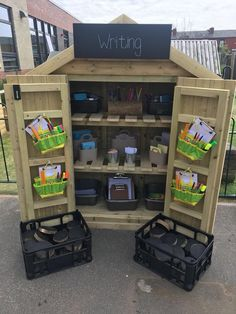 Outdoor Learning Spaces, Outdoor Play Areas, Outdoor Education, Play Spaces, Outdoor Fun, Eyfs Outdoor Area Ideas, Eyfs Classroom, Outdoor Classroom, Outdoor Nursery