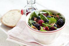 Salade met zomerfruit en uitgebakken spekjes