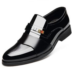 Men Stylish Cap Toe Color Blocking Business Formal Dress Shoes is designed for the formal occasion, more high-quality men formal shoes are on sale. Men's Wedding Shoes, Wedding Men, Business Shoes, Business Attire, Business Fashion, Italian Shoes For Men, Mens Casual Leather Shoes, Gentleman Shoes, Knit Shoes