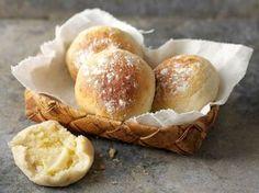 Rahka-kaurasämpylät- try using the same amount of sour cream as rahka No Salt Recipes, Baking Recipes, Dessert Recipes, Desserts, Savoury Baking, Healthy Baking, Salty Foods, Fodmap Recipes, I Love Food