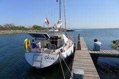 O Ceive, veleiro Nord 80 Nordic 27 no peirao da illa Archipel, Mar de Grevelingen, areias da Zeilandia