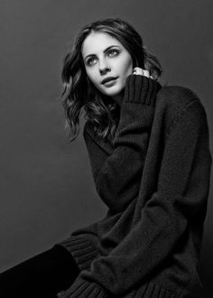 Willa Holland photographed by Jaesung Lee for ContentMode Magazine (2014)