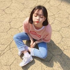 clothes >> @asianxstyleinspo(IG : asianxstyleinspo ) Pretty Korean Girls, Cute Korean Girl, Cute Asian Girls, Cute Girls, Asian Fashion, Girl Fashion, Korean Beauty, Asian Beauty, Korean Photo