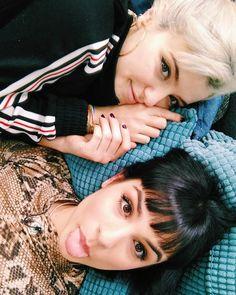 """Natalia on Instagram: """"Te quiero más que al 🌞 (Después de esta foto nos echamos la siesta de nuestra vida jeje)"""" Lgbt, In This Moment, Instagram, Pictures, Beauty, Beautiful, Women, Ships, Icons"""