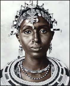 Africa | Portrait of a Rendille woman | © Jan C Schlegel.