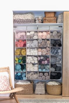 7 clever ideas for organizing and storing yarn best craft room yarn storage glass jars ideas Knitting Room, Knitting Storage, Yarn Organization, Organizing Life, Diy Organisation, Hanging Closet Organizer, Craft Room Storage, Diy Yarn Storage Ideas, Craft Rooms