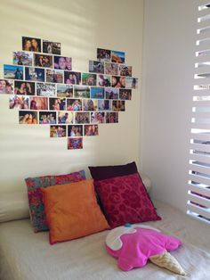 Que tal mudar a decoração e colocar um coração com fotos na parede? Vem que te ensino como