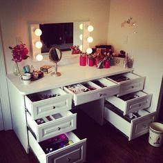 Small make up station