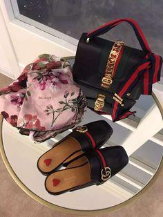 624e72157d0 30 beste afbeeldingen van Gucci slippers outfit - Gucci slipper ...