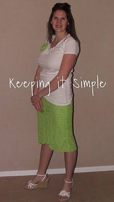 Keeping it Simple: ruffle fabric skirt tutorial. Ruffle Fabric, Ruffle Skirt, Pleated Skirt, High Waisted Skirt, Winter Skirt Outfit, Skirt Outfits, Diy 2019, Skirt Tutorial, Flower Tutorial