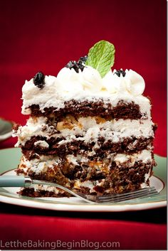 chocolate cake with walnuts and prunes (Russian)