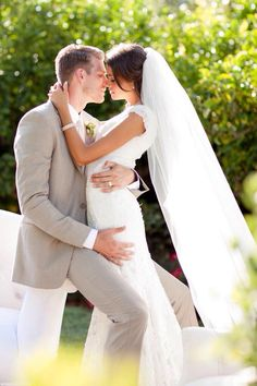 Wedding picture idea! This is what I want.