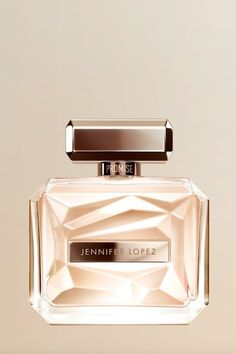 Jennifer Lopez on Her New Fragrance, and the Bronzer That Gives Her *That* Glow Celebrity Perfume, New Fragrances, Bronzer, Beauty Secrets, Jennifer Lopez, Perfume Bottles, Glow, Makeup, Dns