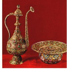 Iran Chamber Society: Iranian National -Royal- Jewels - Water Decanter And Basin, Both Made Of Solid Gold. The Base is encrusted with Emeralds - The Water Decanter Is Encrusted With Emeralds, Rubies and Pearls Royal Jewels, Crown Jewels, Antique Jewelry, Jewelry Art, Jewellery, Persian Culture, Iranian Art, Islamic Art, Art And Architecture