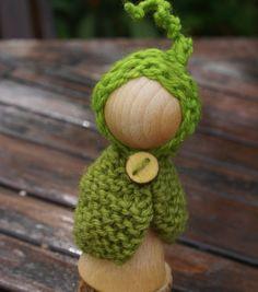 little pea pod garden gnome at tillt tilda at etsy    https://www.etsy.com/listing/108322500/waldorf-gnome-waldorf-peg-doll-small
