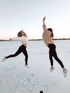 - - # Fotografie - You are in the right place about People Photography lig Snow Pictures, Bff Pictures, Cute Friends, Best Friends, Image Tumblr, Poses Photo, Best Friend Pictures, Winter Pictures, Best Friend Goals