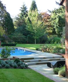 Contemporary pool by Andy Sturgeon Landscape & Garden Design - Um wow. Contemporary pool by Andy Sturgeon Landscape & Garden Design - Garden Swimming Pool, Swimming Pool Landscaping, Backyard Landscaping, Pool Decks, Landscaping Ideas, Contemporary Landscape, Landscape Design, Contemporary Design, Landscape Architecture