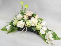 Znalezione obrazy dla zapytania stroiki całoroczne na cmentarz Artificial Plants, Interior Design Living Room, Funeral, Floral Arrangements, Floral Wreath, Wreaths, Green, Flowers, Diy