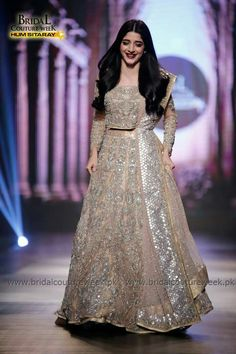 This dress looks stunning on the her, more than the dress Indian Wedding Gowns, Indian Bridal Outfits, Indian Bridal Wear, Red Wedding Dresses, Indian Dresses, Wedding Outfits, Wedding Wear, Pakistani Bridal Couture, Pakistani Wedding Dresses