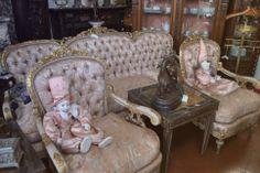 1000 images about juegos de living y sillones antiguos on pinterest sofa chester frances o - Sillones antiguos restaurados ...