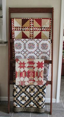 Cupcakes 'n Daisies: I want this quilt rack!!
