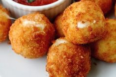 Fried Bocconcini with Spicy Tomato Sauce. Appetizer: Fried Bocconcini with Spicy Tomato Sauce. Think Food, I Love Food, Crazy Food, Fingers Food, Great Recipes, Favorite Recipes, Yummy Recipes, Drink Recipes, Appetizer Recipes
