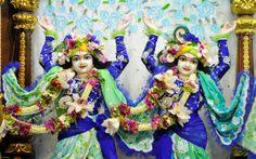 To view Nitai Gaurachandra Close Up Wallpaper of ISKCON Chowpatty in difference sizes visit - http://harekrishnawallpapers.com/sri-sri-nitai-gaurachandra-close-up-wallpaper-017/