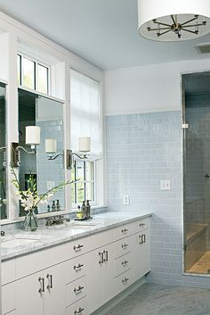 White Marble Colored Subway Tile Bathroom Design Ideas, Pictures, Remodel and Decor Blue Subway Tile, Glass Subway Tile, Blue Tiles, Glass Tiles, Bad Inspiration, Bathroom Inspiration, Metro White, Bathroom Vanity Designs, Bathroom Ideas