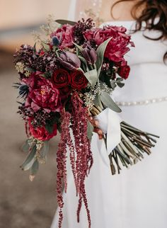 21 Beautiful Burgundy Wedding Ideas - Inspired By This