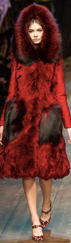 Dolce Gabbana Fall 2014 RTW - Runway Photos - Fashion Week - Runway, Fashion Shows and Collections - Vogue News Fashion, Fur Fashion, Runway Fashion, High Fashion, Winter Fashion, Fashion Show, Womens Fashion, Fashion Trends, Milan Fashion