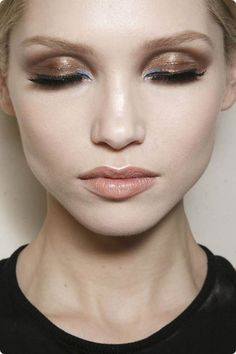 Atelier Versace Spring 2014 makeup- bronze and pastel blue