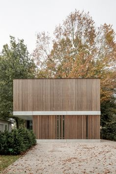 Architecture/Design Very clean - possibly a little too minimal? But a nice proportion and great simp Architecture Design, Minimal Architecture, Residential Architecture, Contemporary Architecture, Wooden Facade, Timber Cladding, Exterior Design, House Design, Facades