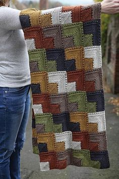 Transcendent Crochet a Solid Granny Square Ideas. Inconceivable Crochet a Solid Granny Square Ideas. Gilet Crochet, Knitted Afghans, Afghan Crochet Patterns, Knitted Blankets, Crochet Stitches, Stitch Patterns, Knitting Patterns, Knitting Squares, Knitting Designs
