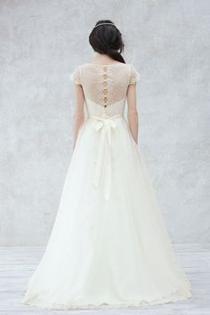 The detailed lace back of these classic ballgown is just too pretty!