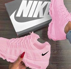 Shared by IQ_XV. Find images and videos about white, shoes and nike on We Heart It - the app to get lost in what you love. Cute Nike Shoes, Black Nike Shoes, Cute Sneakers, Nike Air Shoes, Shoes Sneakers, Vans Shoes, Nike Heels, Shoes Heels, Souliers Nike
